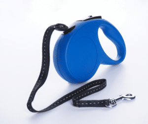 according to professional dog walkers, the least favorite and worst leash for your dog is a retractable leash because they are dangerous for many reasons